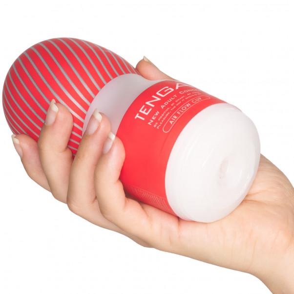 Tasse Air Flow Cup Masturbateur Image du produit avec des mains 50